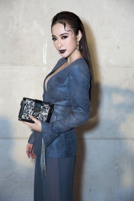 Angela Phuong Trinh deo trang suc 1,6 ti du su kien - Anh 3