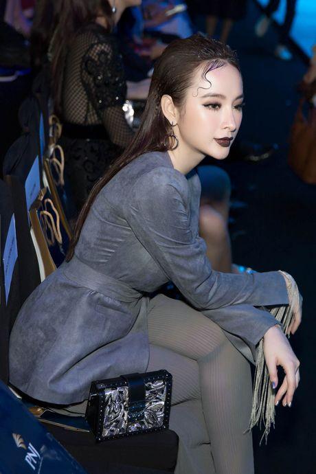Angela Phuong Trinh deo trang suc 1,6 ti du su kien - Anh 7