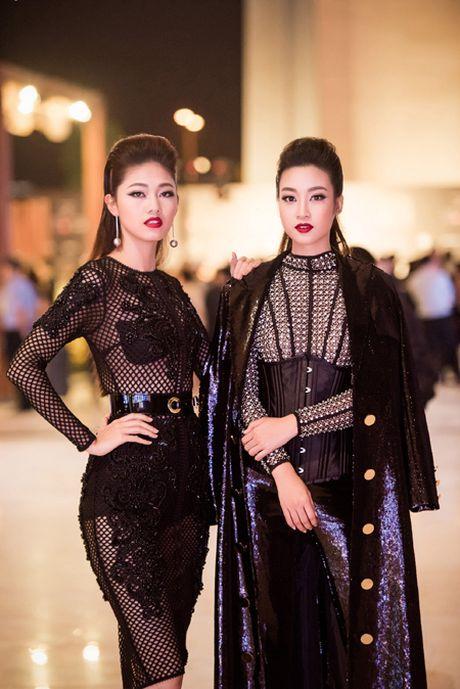 Choang ngop voi phong cach thoi trang an tuong cua Hoa hau My Linh tai VIFW 2016 - Anh 10