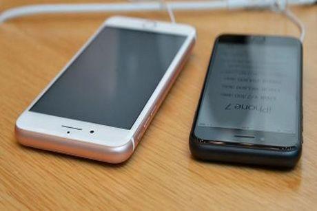 Du do 20 'ban trai' mua tang iPhone 7, co gai tre ban di mua nha moi - Anh 1
