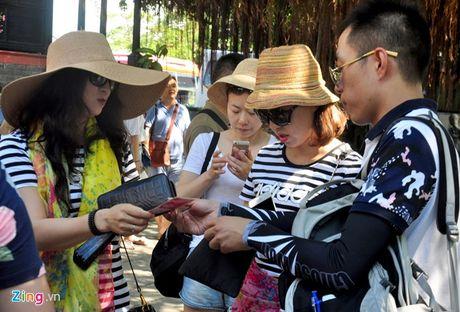 Khach Trung Quoc den Viet Nam dat muc ky luc - Anh 1