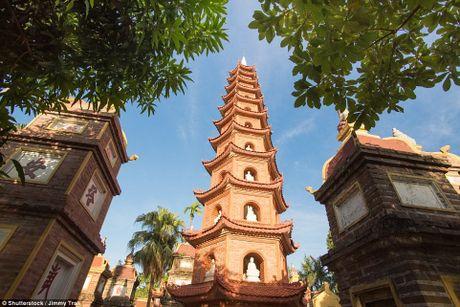 Chua Tran Quoc vao top 16 ngoi chua dep nhat the gioi do bao Anh binh chon - Anh 16