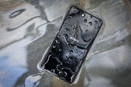 Loat smartphone giam gia dang chu y trong thang 10 - Anh 10