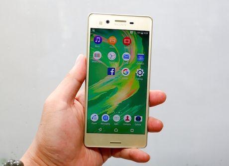 Loat smartphone giam gia dang chu y trong thang 10 - Anh 4