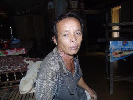 Nguoi dan Quang Binh 'suc tan luc kiet' sau lu kep - Anh 3