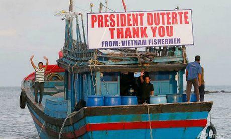 Tong thong Philippines tha 17 ngu dan Viet Nam - Anh 1