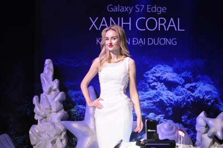 Galaxy S7 Edge Blue Coral - Vu khi moi cua Samsung - Anh 1