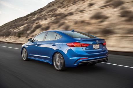 Hyundai Elantra Sport co gia tu 22.485 USD tai My - Anh 2