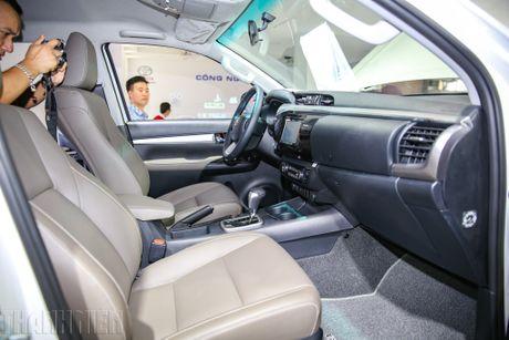 Toyota Hilux moi nhieu cai tien co gia tu 697 trieu dong - Anh 3