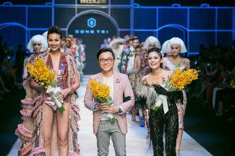 Thanh Hang long lay nhu nu hoang khi lam vedette cho show Cong Tri - Anh 6