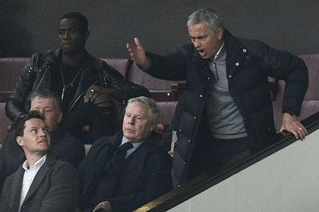FA chinh thuc ra an phat voi Mourinho - Anh 1