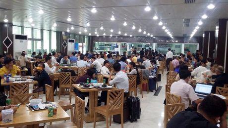 May bay di Buon Ma Thuot dap xuong san bay…Tan Son Nhat - Anh 2