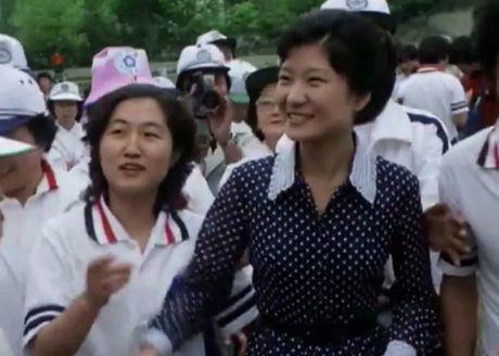 Ly do 'phap su' Choi tro ve Han Quoc giua tam bao - Anh 2
