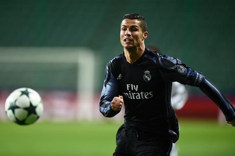 Ronaldo giup Bale lap ky luc o Champions League - Anh 1
