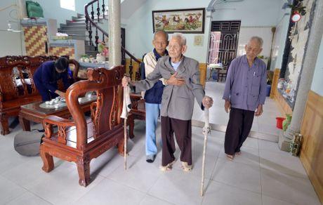 Cu ong 104 tuoi o Bac Ninh co ban chan ky la - Anh 8