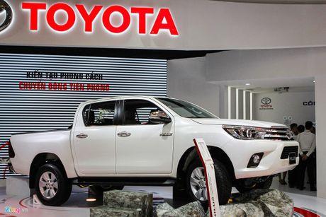 Toyota Hilux moi thay dong co, gia tu 697 trieu tai Viet Nam - Anh 1