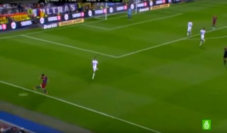 6 lan 'ca gian mat khon' cua Messi tren san co - Anh 3