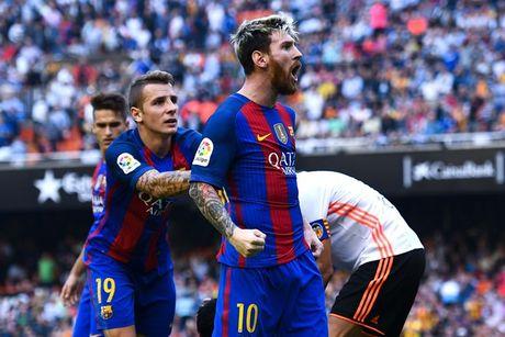 6 lan 'ca gian mat khon' cua Messi tren san co - Anh 6