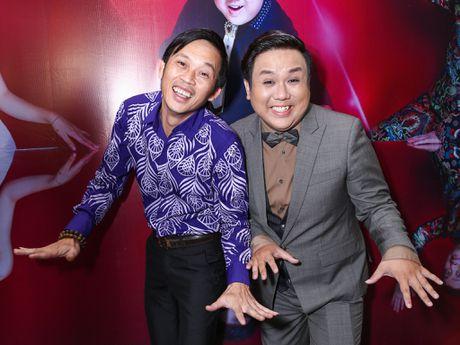 Nam Thu xuc dong gap Hoai Linh trong su kien - Anh 4