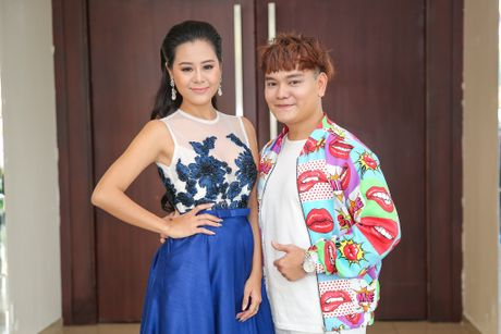 Nam Thu xuc dong gap Hoai Linh trong su kien - Anh 6