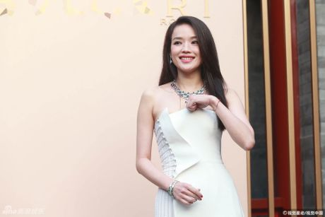 Thu Ky goi cam hon sau khi cuoi Phung Duc Luan - Anh 3