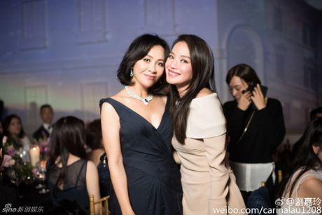 Thu Ky goi cam hon sau khi cuoi Phung Duc Luan - Anh 4
