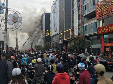 PGS.TS Nguyen Huy Nga: Nguoi dung xem dam chay de hit phai khi doc - Anh 2