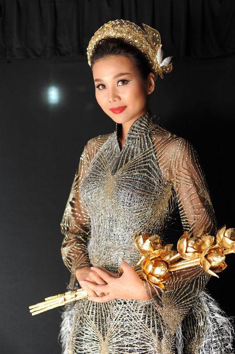 Thanh Hang mang 50 luong vang rong len san khau - Anh 3