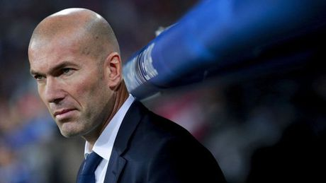 Zidane gian tim mat noi ve tran hoa nhu thua cua Real - Anh 1