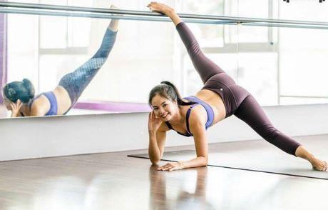 Ba me 35 tuoi tre dep nhu thieu nu nho tap yoga - Anh 3