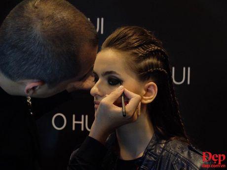Cam hung noi loan tran ngap san dien Vietnam International Fashion Week 2016 ngay dau tien - Anh 11