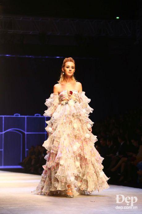 Cam hung noi loan tran ngap san dien Vietnam International Fashion Week 2016 ngay dau tien - Anh 4