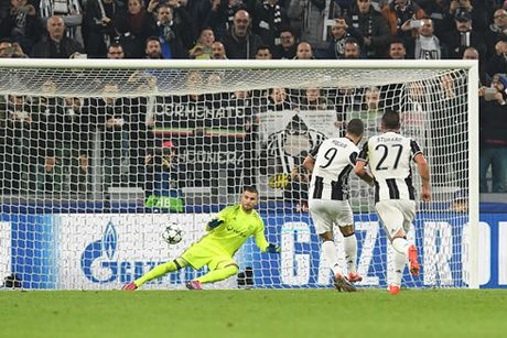 Hoa Lyon, Juventus lo thoi co gianh ve som - Anh 1