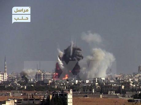 Syria: Luc luong noi day na rocket vao tuyen duong so tan o Aleppo - Anh 1