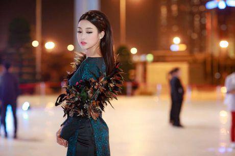 Hoa hau My Linh, A hau Thanh Tu: Tam-Cam tren tham do thoi trang - Anh 4