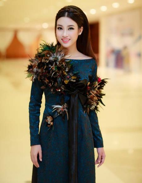 Hoa hau My Linh, A hau Thanh Tu: Tam-Cam tren tham do thoi trang - Anh 6