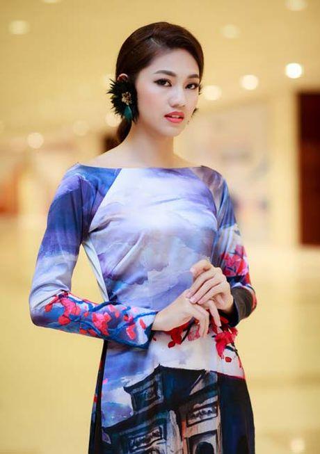 Hoa hau My Linh, A hau Thanh Tu: Tam-Cam tren tham do thoi trang - Anh 8