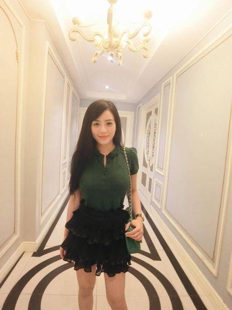 Co gai Viet dang duoc dan mang TQ san lung la ai? - Anh 10