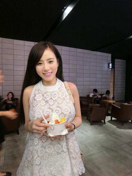Co gai Viet dang duoc dan mang TQ san lung la ai? - Anh 8