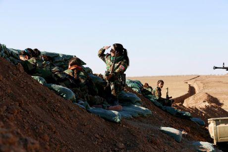 Nhung bong hong nguoi Kurd tren chien truong danh IS o Mosul - Anh 12