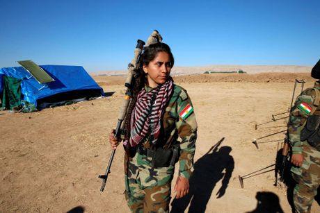 Nhung bong hong nguoi Kurd tren chien truong danh IS o Mosul - Anh 13