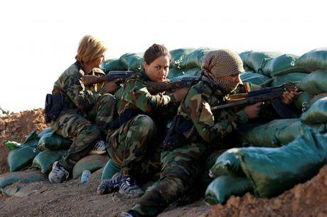 Nhung bong hong nguoi Kurd tren chien truong danh IS o Mosul - Anh 4