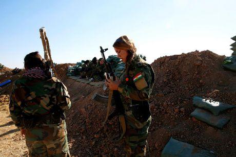 Nhung bong hong nguoi Kurd tren chien truong danh IS o Mosul - Anh 9