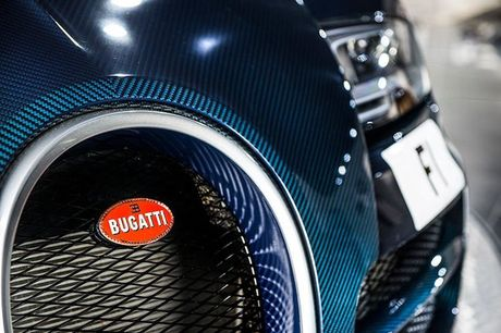 'Ong hoang toc do' Bugatti Veyron Supersport carbon gia 55,8 ty - Anh 6