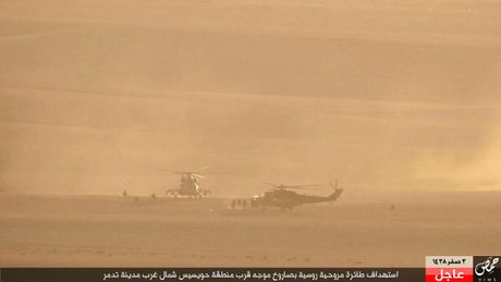 Khoanh khac thot tim truc thang Mi-35M Nga bi ban o Syria - Anh 1