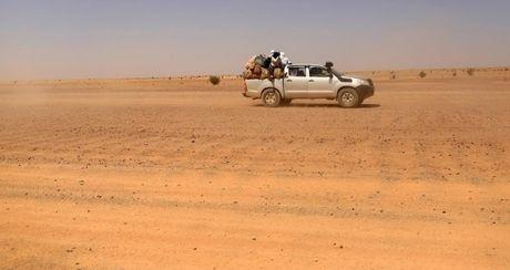 Chum anh tranh chap lanh tho o Tay Sahara - Anh 11