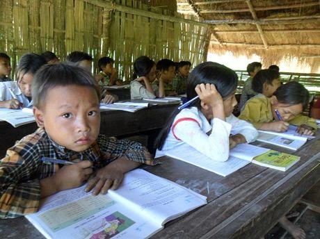 14 nam day hoc o vung DBKK thoi huong phu thu hut nhung duoc huong phu cap lau nam - Anh 1