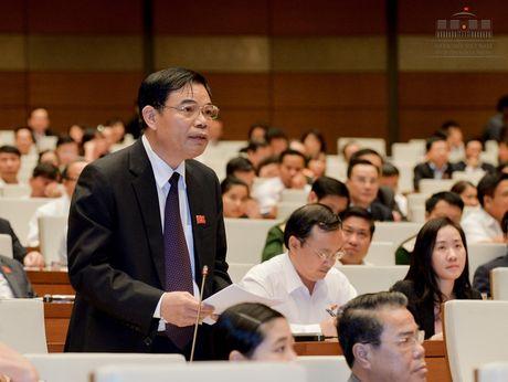 Bo truong Bo NN&PTNT Nguyen Xuan Cuong: So no da giam xuong 12.000 ty - Anh 1