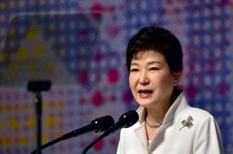 Tong thong Park Geun Hye xin loi nguoi dan, chap nhan dieu tra neu can - Anh 1