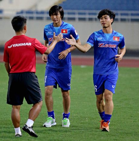 Tien ve Tuan Anh se vang mat o tran Viet Nam - Indonesia - Anh 3